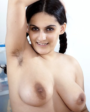 Arab Big Boobs Porn Pictures